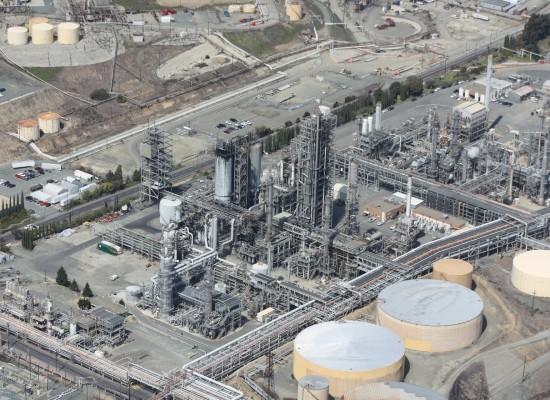 refinery-109025_1920